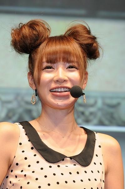 手島優/Yuu Tejima, Sep 22, 2012 : 東京ゲームショウ2012でコナミブースに登場し、トークショーに参加する手島優さん