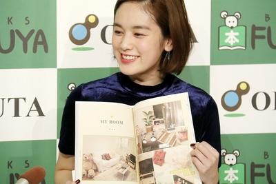 筧美和子, Nov 16, 2016 : 写真集「Parallel」とスタイルブック「Me」を同時発売した筧美和子さん