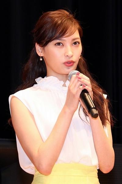 大政絢/Aya Omasa, Apr 11, 2016 : 東京都内で行われた連続ドラマ「私結婚できないんじゃなくて、しないんです」(TBS系)の完成披露試写会
