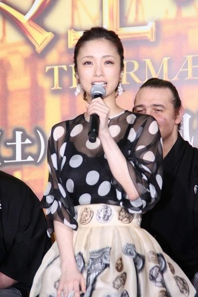 上戸彩/Aya Ueto, Mar 26, 2014 : 映画「テルマエ・ロマエ2」(武内英樹監督)の完成披露イベン=2014年3月26日撮影