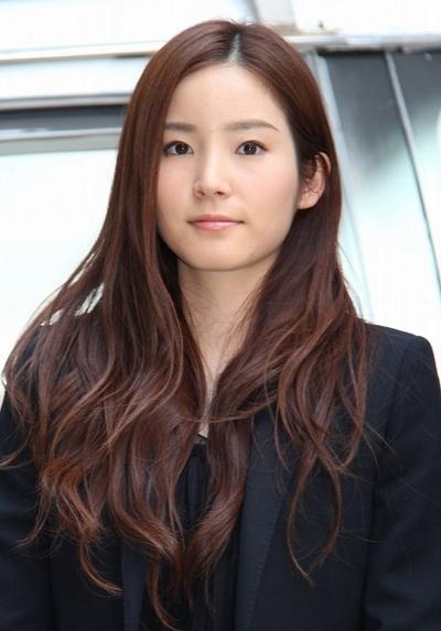 蓮佛美沙子/Misako Renbutsu, Apr 15, 2013 : TBS系ドラマ「潜入探偵トカゲ」の宣伝カーで東京都内を巡った蓮佛美沙子さん=2013年4月15日撮影